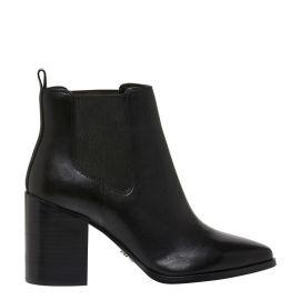 womens black gusset block heel boot.