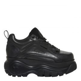 black 90's style chunky sneaker